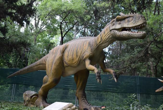 """""""Живите динозаври"""" се завръщат във Варна от 7-ми юли"""
