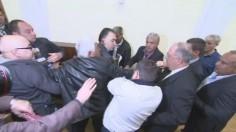 Видео: Бой и скандали на заседание на СДС
