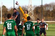 Вратарят Владо Стоянов се завърна в игра след две години и осем месеца