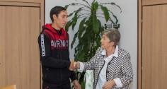 Община Стара Загора награди спасителя на намушканата Виктория