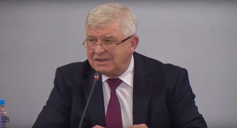 Финансовият министър Кирил Ананиев е с коронавирус