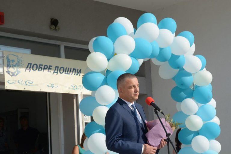 Новата учебна година във Варна започна присъствено